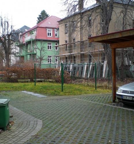 Stellplatz zur Wohnung: links